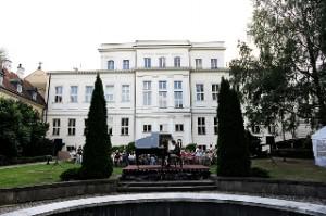 koncert chopinowski w ogrodach Domu Polonii 2