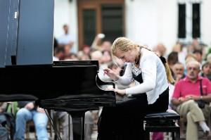 koncert chopinowski w ogrodach Domu Polonii 4
